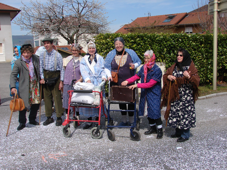 Nos petits vieux en sortie au carnaval