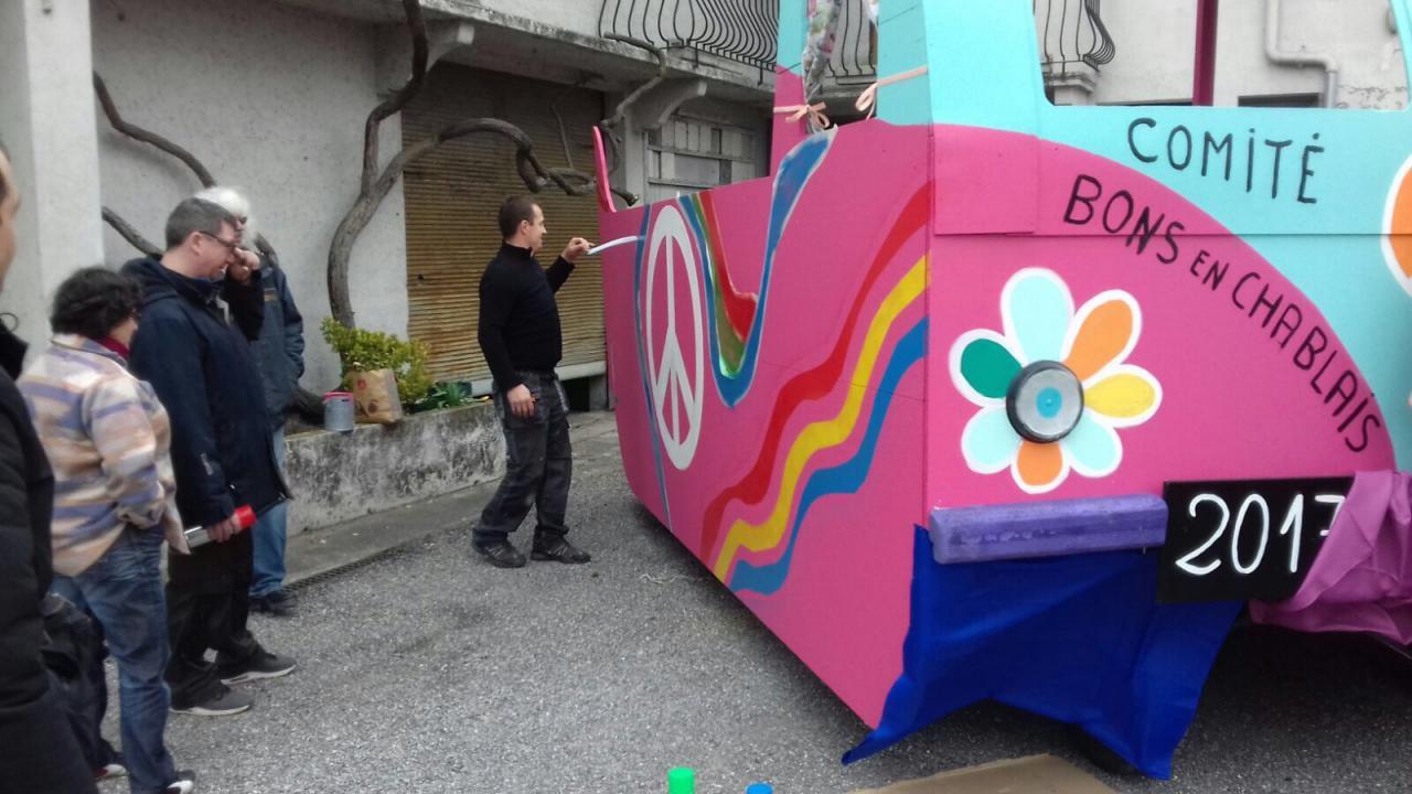 Construction de notre char CombiVW rose à l'effigie
