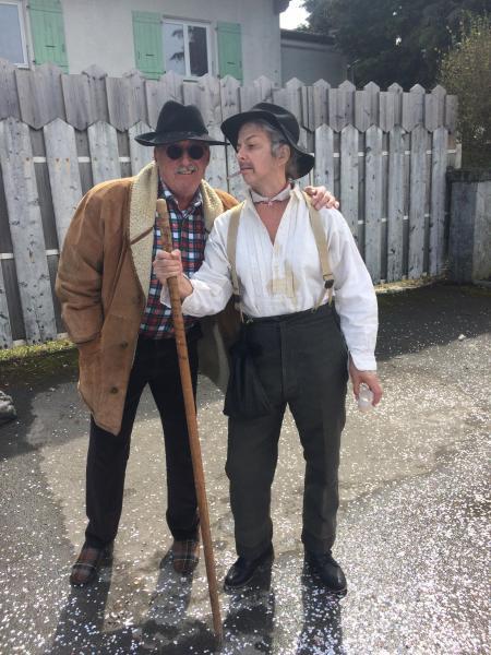 Les petits vieux complotent - Claude et Sophie