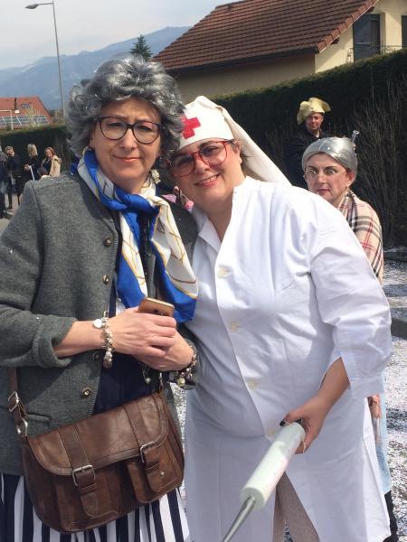 Dame Béa et son infirmière Barbara