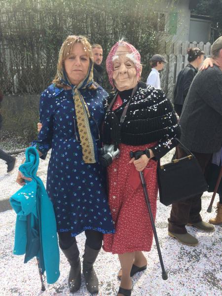 Ghislaine et Chantal en route pour la maison de retraite